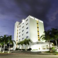 Mision Express Merida Altabrisa Hotel Front - Evening/Night