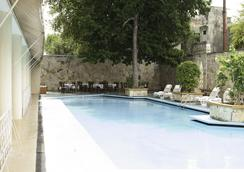米西翁梅里達泛美酒店 - 梅里達 - 游泳池
