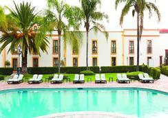 米西约里齐拉大酒店 - 克雷塔羅 - 游泳池