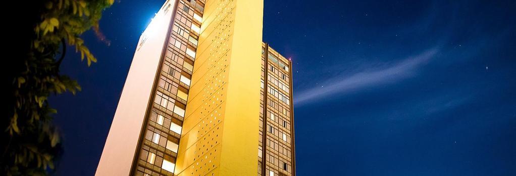 Hotel Misión Guadalajara Carlton - 瓜達拉哈拉 - 建築