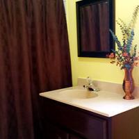 Ocean Tide Beach Resort Bathroom