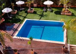 特里普瓦倫西亞展覽會酒店 - 瓦倫西亞 - 游泳池