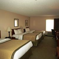 New Victorian Inn & Suites in Sioux City, IA Guestroom