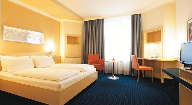 Intercityhotel Nürnberg - 紐倫堡 - 臥室