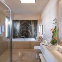 Blue Bay Resort Hotel Bathroom