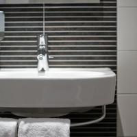 Hotel Amsterdam - De Roode Leeuw Bathroom Sink