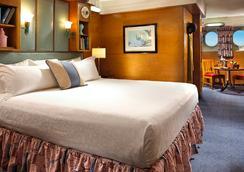瑪麗皇后酒店 - 長灘 - 臥室