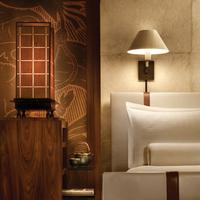 Four Seasons Resort Lanai Room - Redesigned Bed