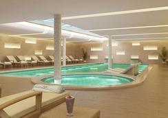 柏林泰坦尼克肖思酒店 - 柏林 - 游泳池