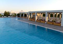 拜亞拉臘酒店 - 昆都 - 游泳池