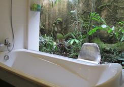 塔曼哈魯姆小屋酒店 - 烏布 - 浴室