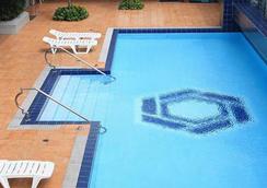 馬來亞廣場酒店 - 馬尼拉 - 游泳池