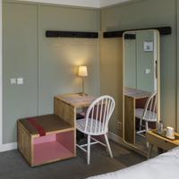 Hotel Light Guestroom