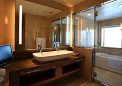 大阪蒙特利格拉斯米爾酒店 - 大阪 - 浴室