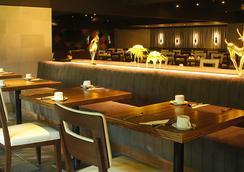 西隆富麗華酒店(原西隆尤尼可大酒店) - 曼谷 - 酒吧