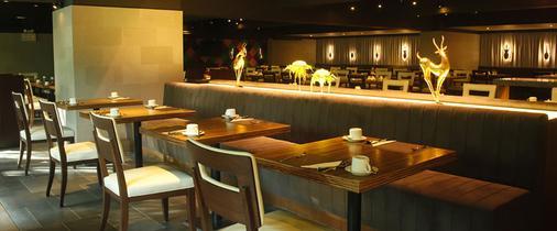 曼谷是隆富麗華飯店 - 曼谷 - 酒吧