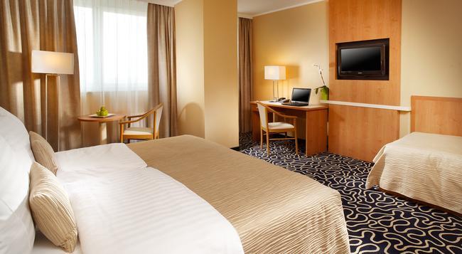 Orea Hotel Pyramida - 布拉格 - 臥室