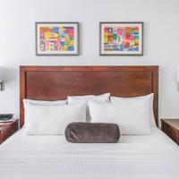 Hotel 140 Guestroom