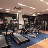 Cendeluxe Hotel - Managed by H & K Hospitality Fitness Center