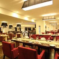 Cendeluxe Hotel - Managed by H & K Hospitality Restaurant