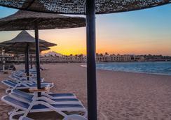 馬卡迪灣克婁巴特拉豪華度假酒店 - 赫爾格達 - 海灘