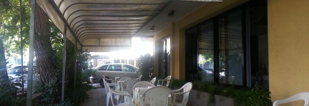 Hotel Elde - 里喬內 - 建築