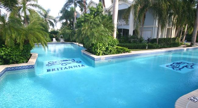 Britannia Villas - Seven Mile Beach - 游泳池
