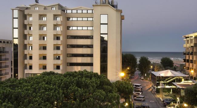 Hotel Sporting Rimini - 里米尼 - 建築
