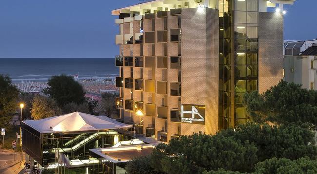 Hotel Ambasciatori Rimini - 里米尼 - 建築