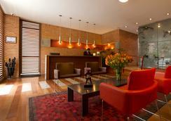 84 DC酒店 - Bogotá - 大廳