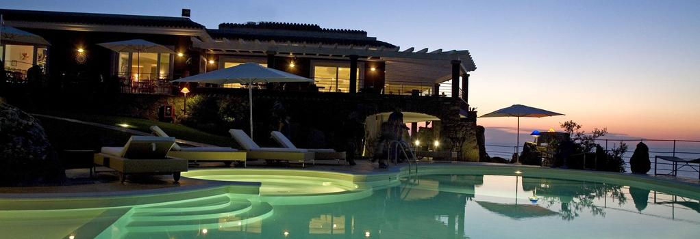 Bajaloglia Resort - 卡斯特爾薩多 - 建築