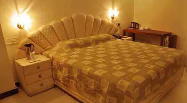 Hotel Satya Ashoka - 賈巴爾普爾 - 臥室