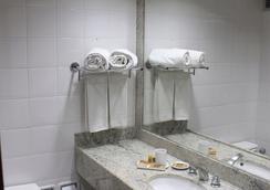 庫裡提巴瑪布度假酒店 - 庫里提巴 - 浴室