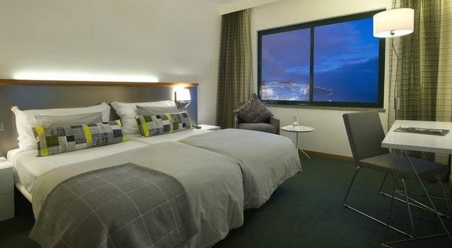 Madeira Panoramico Hotel - 豐沙爾 - 臥室