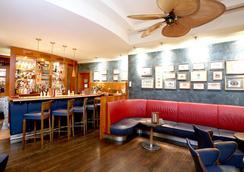 施泰根博閣索納爾度假酒店 - 羅斯托克 - 酒吧