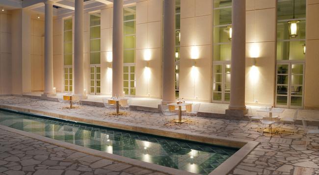Palazzo Esedra - 那不勒斯/拿坡里 - 游泳池