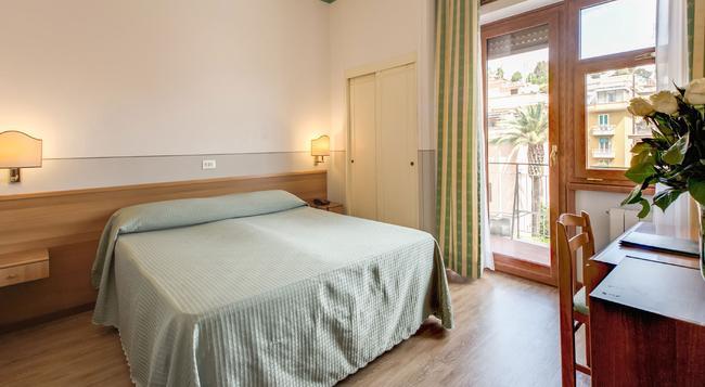 Hotel Pacific - 羅馬 - 臥室