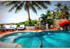 布姆蘭鄉村度假酒店 - 卡倫海灘 - 游泳池