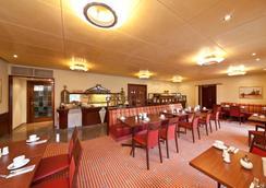 斯圖加特市大道新奇酒店 - 斯圖加特 - 餐廳