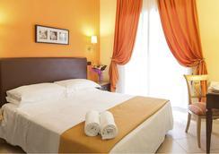圖索拉納酒店 - 羅馬 - 臥室