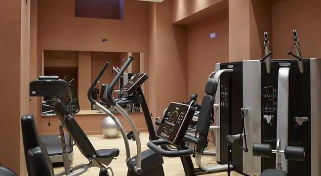 Samaria Hotel - 哈尼亞 - 健身房