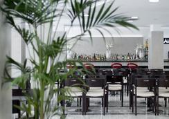 洛斯阿拉莫斯酒店 - 貝尼多姆 - 酒吧