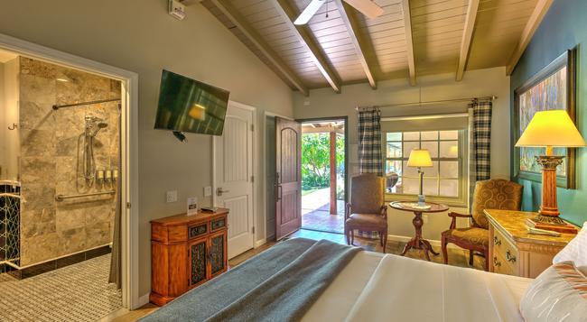 Colt's Lodge - Palm Springs - 臥室