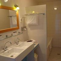 Rho Hotel Bathroom