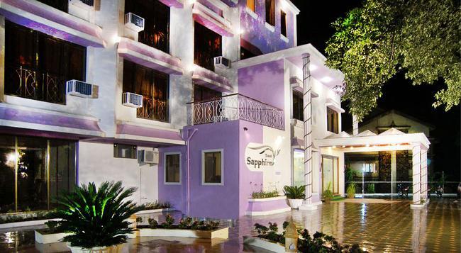 Hotel Sapphire - Lonavala - 建築