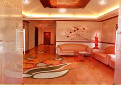 Hotel Sapphire - Lonavala - 大廳