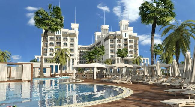 Quattro Beach Spa & Resort - 阿拉尼亞 - 建築