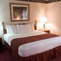 GuestHouse Inn & Suites Sioux Falls Guest room