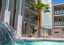黃金斯派克綠洲酒店 - 拉斯維加斯 - 游泳池