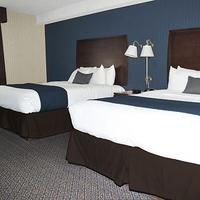 Ramada Niagara Falls by the River Guestroom